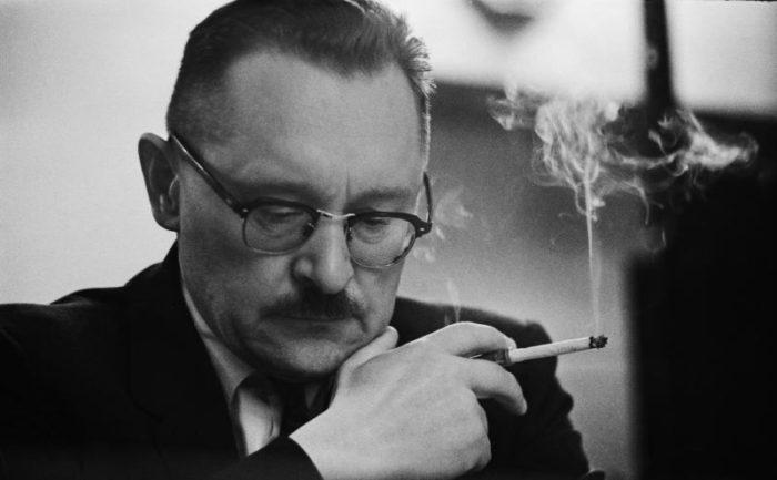 Виктор Жданов вирусолог