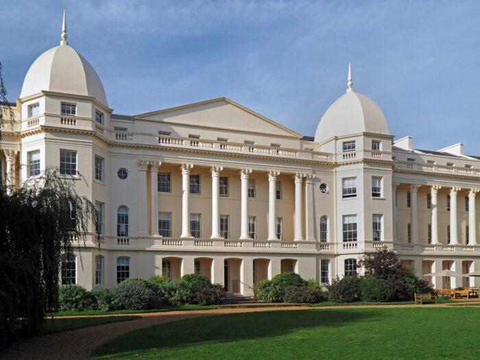 London Business School LBS традиционная и консервативная школа
